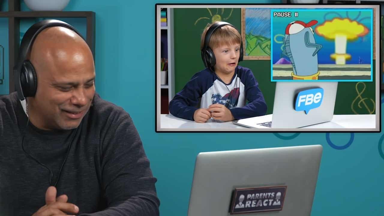Eltern und Kinder reagieren auf Erwachsenen-Witze in Cartoon-Serien