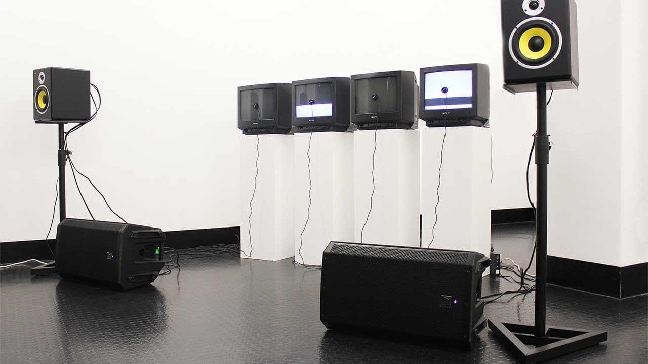 Experimentelle Röhrenfernseher-Klänge