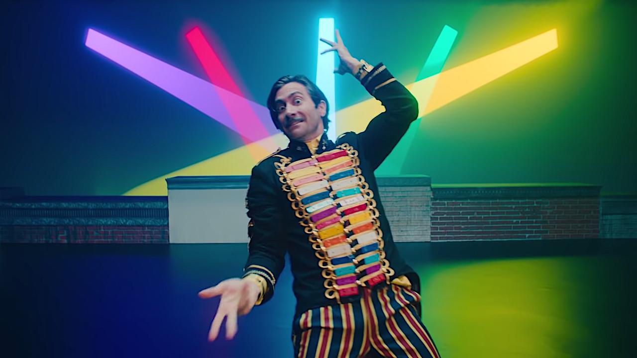 Jake Gyllenhaals durchgeknallte Gesangseinlage in Netflix' Kindermusical
