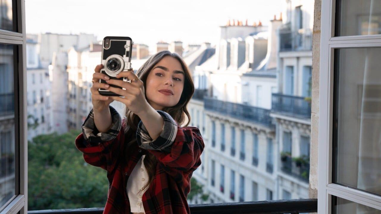 Netflix' Emily in Paris – Szene für Szene erklärt von Lily Collins