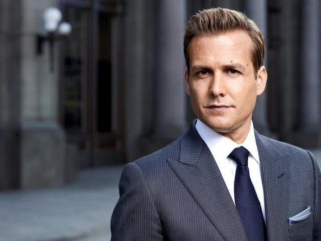 Wie sieht man eigentlich so gut aus wie Harvey Specter?