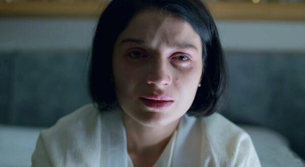 Review: Behind Her Eyes (Sie weiß von Dir) – Staffel 1 (Miniserie)