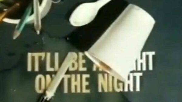 """Tom Scott stellt uns """"It'll Be Alright on the Night"""" und das beste TV-Intro überhaupt vor"""